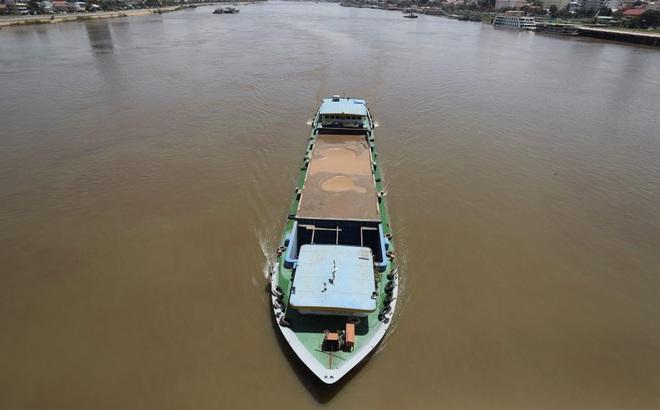 """""""Trái tim của Campuchia"""" trước đe dọa sống còn: Dự báo cay đắng với sông Mekong thành hiện thực?"""