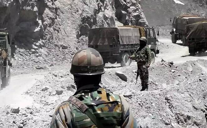 """Nguồn tin Ấn Độ: TQ điều 10.000 lính tới biên giới, tình hình giằng co """"nóng lên từng ngày"""""""