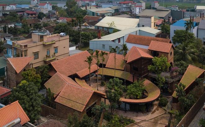 Choáng ngợp với ngôi nhà 11 mái ở Hà Nội, nhìn thôi đã thấy mê mẩn rồi!