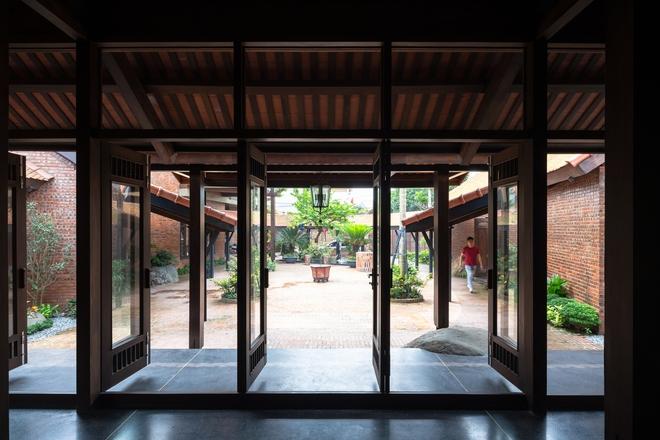 Choáng ngợp với ngôi nhà 11 mái ở Hà Nội, nhìn thôi đã thấy mê mẩn rồi! - Ảnh 4.