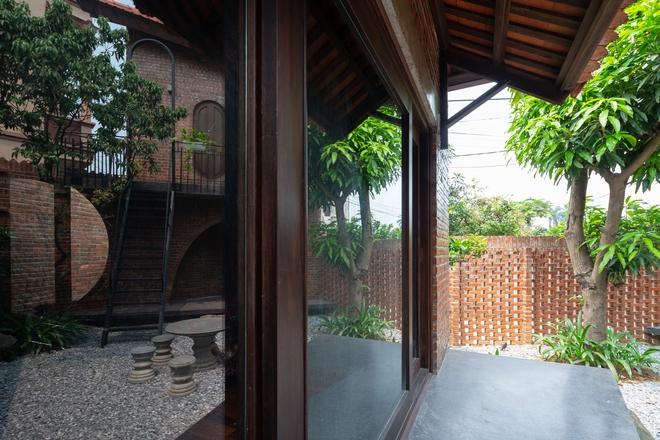 Choáng ngợp với ngôi nhà 11 mái ở Hà Nội, nhìn thôi đã thấy mê mẩn rồi! - Ảnh 2.