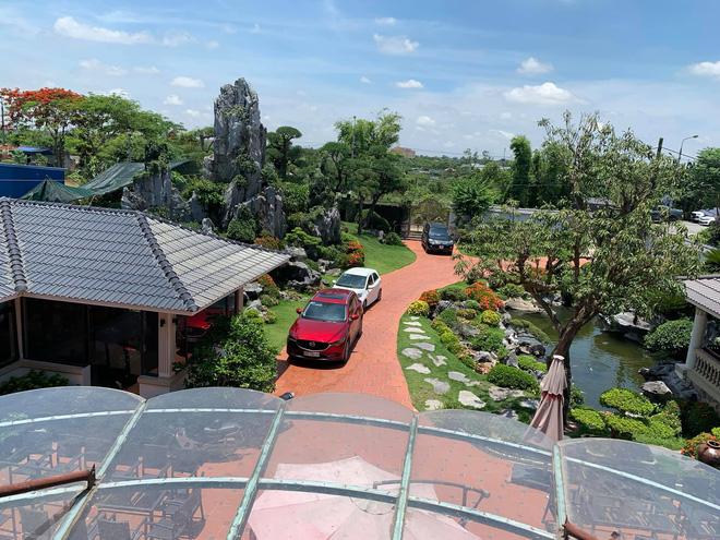 Biệt thự vườn 2.000 m2, có hồ cá Koi của đại gia Nam Định được rao bán với giá không tưởng - Ảnh 2.