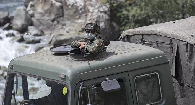 Xung đột biên giới: Ấn Độ nổ súng cảnh cáo binh lính Trung Quốc - Ảnh 1.