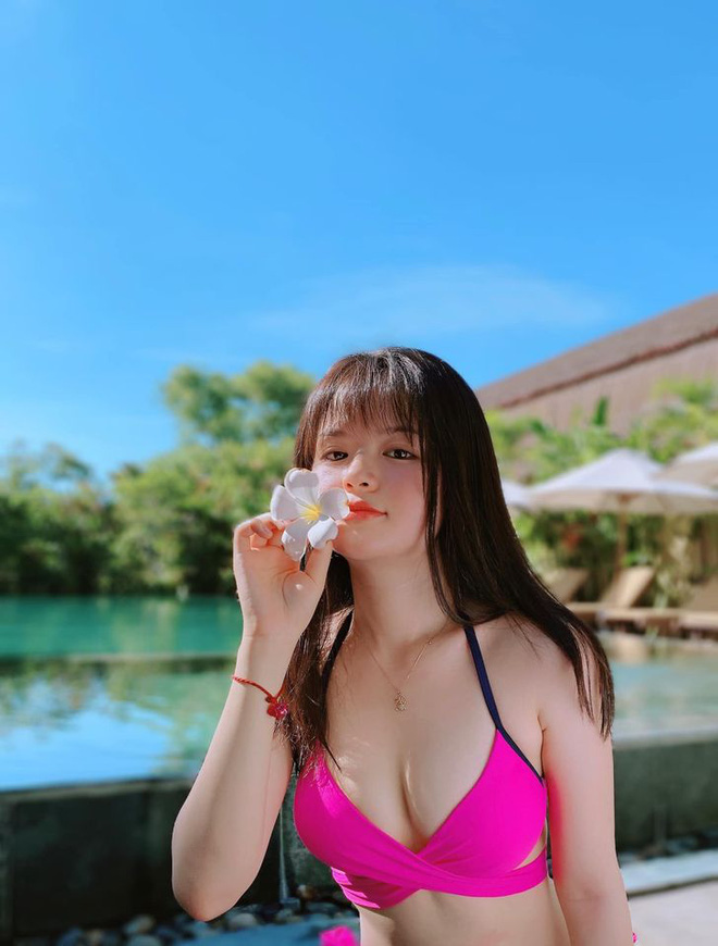 Nhan sắc nóng bỏng của hot girl đóng phim từ năm 10 tuổi thành MC VTV - Ảnh 10.
