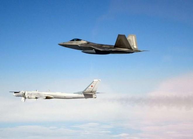Thiết giáp Nga húc tung xe bọc thép Mỹ ở Syria: Căng đỉnh điểm, có thể bùng nổ xung đột? - Ảnh 5.