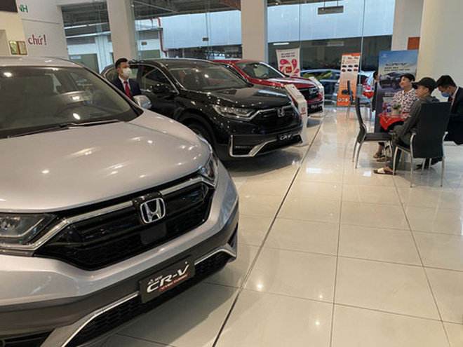 Chuyện lạ trên thị trường ôtô cuối năm  - Ảnh 1.