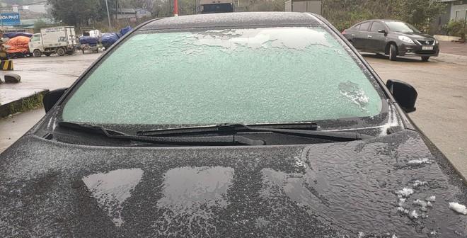 Nhiều phương tiện gặp nạn trên đèo Ô Qúy Hồ - Sa Pa do mặt đường đóng băng - Ảnh 7.