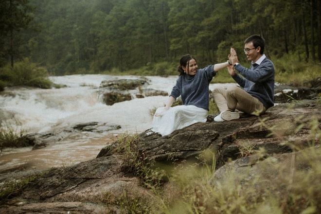 Quyền hiệu trưởng 9X đèo bạn gái đi 100km tìm thầy bói: Nghe phán xong, cả hai liền đi Đà Lạt chụp ảnh cưới - Ảnh 1.