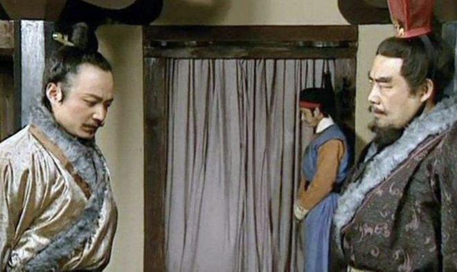 Nói đúng 11 chữ, Gia Cát Lượng khiến Lưu Bị giết con nuôi Lưu Phong, rốt cuộc vì sao Gia Cát Lượng phải làm vậy? - Ảnh 2.