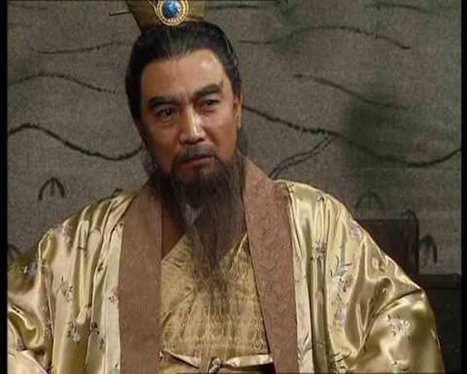Nói đúng 11 chữ, Gia Cát Lượng khiến Lưu Bị giết con nuôi Lưu Phong, rốt cuộc vì sao Gia Cát Lượng phải làm vậy? - Ảnh 6.