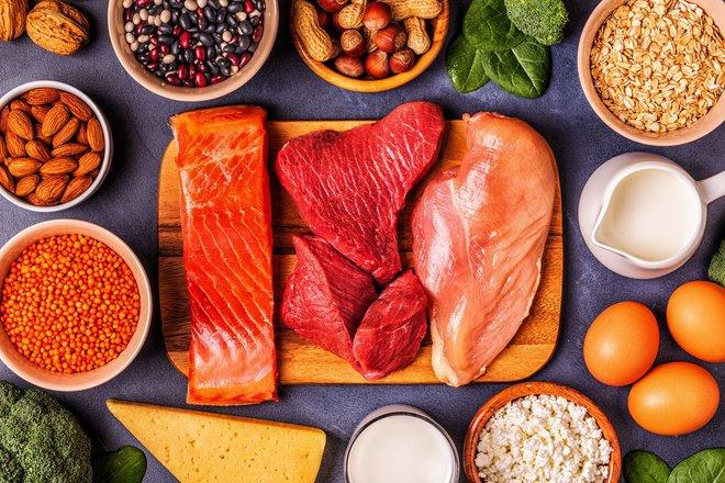 Ăn nhiều hay ít quá đều không nên: Những dấu hiệu kêu cứu khi cơ thể bạn bị thiếu chất - Ảnh 1.