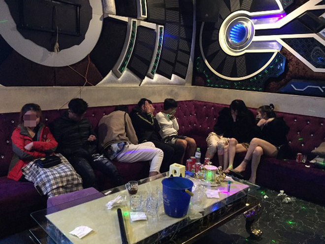 47 nam nữ phê ma túy trong quán karaoke ở Quảng Nam - Ảnh 2.