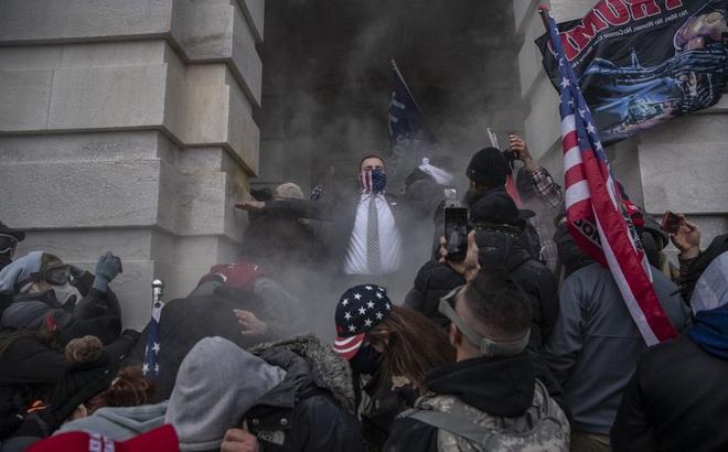 """Người biểu tình dọa quay trở lại Điện Capitol cùng vũ khí: Ngày 17/1 và ngày 20/1 lọt vào """"tầm ngắm"""""""