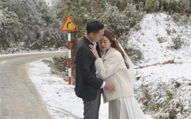 Cặp đôi Hà Nội chụp ảnh cưới giữa trời băng tuyết kỳ ảo ở Y Tý, dân tình trầm trồ: 'Đỉnh cao săn tuyết là đây'
