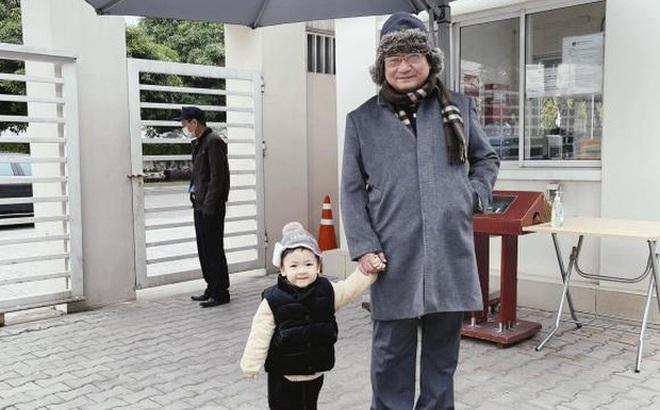 Tú Anh khoe ảnh con trai ngày đầu đi học, netizen giật mình khi biết được mức học phí tại ngôi trường quốc tế của bé