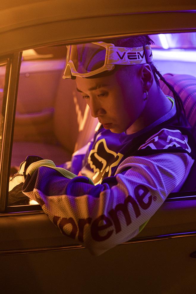 Karik mời học trò ở Rap Việt diễn xuất trong MV mới - Ảnh 6.