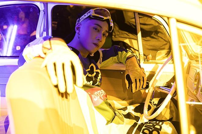 Karik mời học trò ở Rap Việt diễn xuất trong MV mới - Ảnh 5.