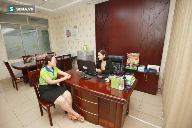 Bức tranh lạ về trẻ con trong căn phòng của Phó Tổng Giám đốc Saigon Foods - Ảnh 9.