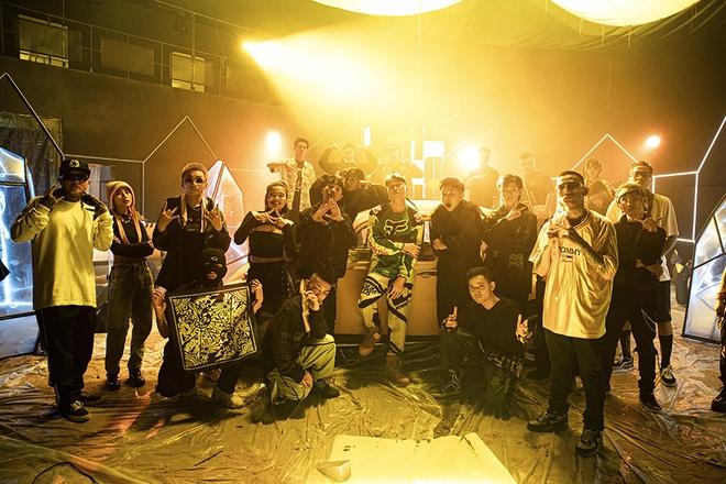 Karik mời học trò ở Rap Việt diễn xuất trong MV mới - Ảnh 4.