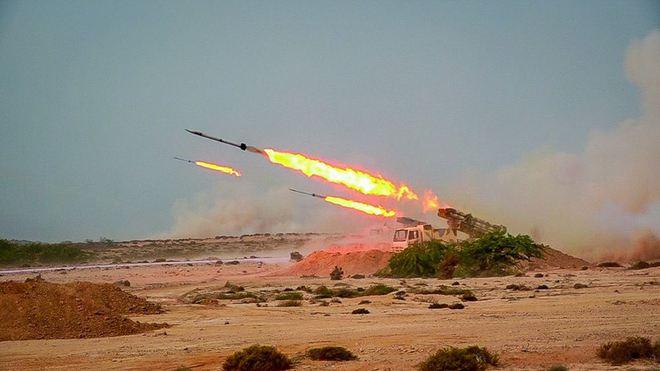Quân Nga ùn ùn kéo đến Ain Issa, miền Bắc Syria sắp nổ ra đại chiến - Hé lộ nguyên nhân Iran bắt tàu chở dầu Hàn Quốc - Ảnh 1.