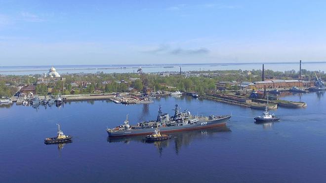 Tàu khu trục Nga bị đánh cắp thiết bị nặng 26 tấn: Kẻ nào dám to gan? - Ảnh 1.