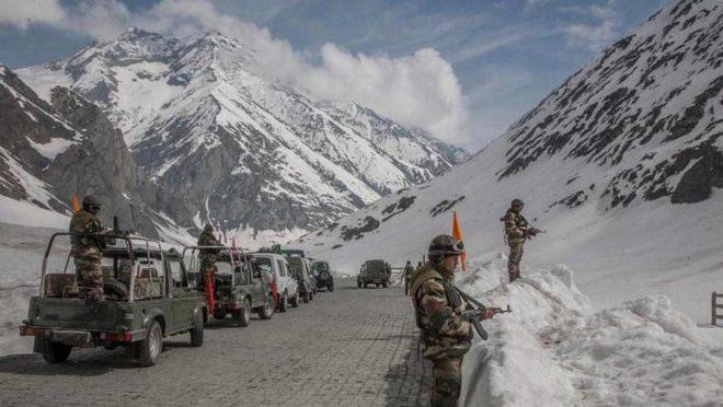 Trung Quốc bất ngờ rút 10.000 quân khỏi biên giới tranh chấp với Ấn Độ - Ảnh 1.