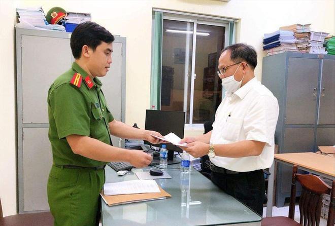 Cựu Phó Bí thư Thành uỷ TPHCM Tất Thành Cang gây thiệt hại 157 tỷ đồng - Ảnh 1.