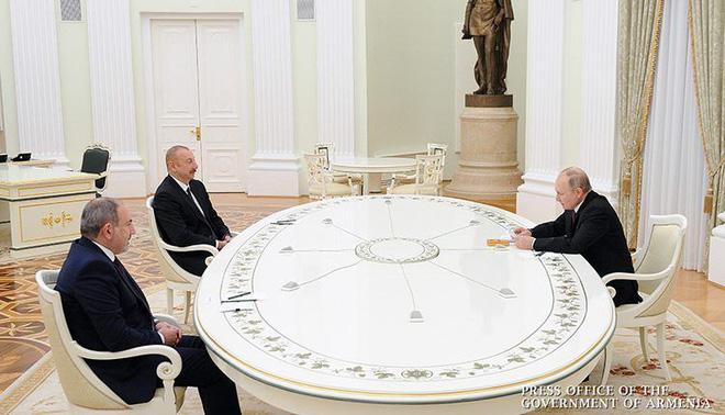 Nga đi nước cờ hiểm, thêm chiến thắng tuyệt vời ở Nagorno-Karabakh: Ông trùm ra tay - Đừng đùa với Putin! - Ảnh 2.