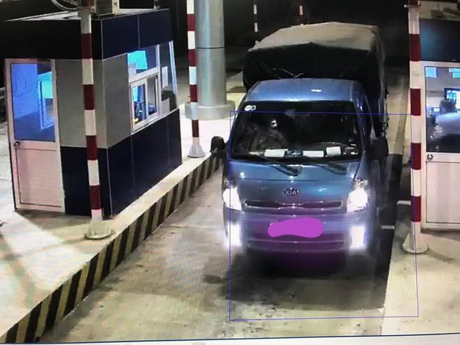 Nhiều ô tô bị ném đá trên cao tốc Lạng Sơn - Bắc Giang - Ảnh 3.