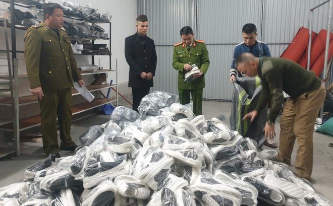 Trước khi bị thu giữ khoảng 7.000 sản phẩm nhái, AE Shop Việt Nam thường xuyên livestream tung hứng giật gân, Gucci, Dior hét giá chỉ 200k - ảnh 3
