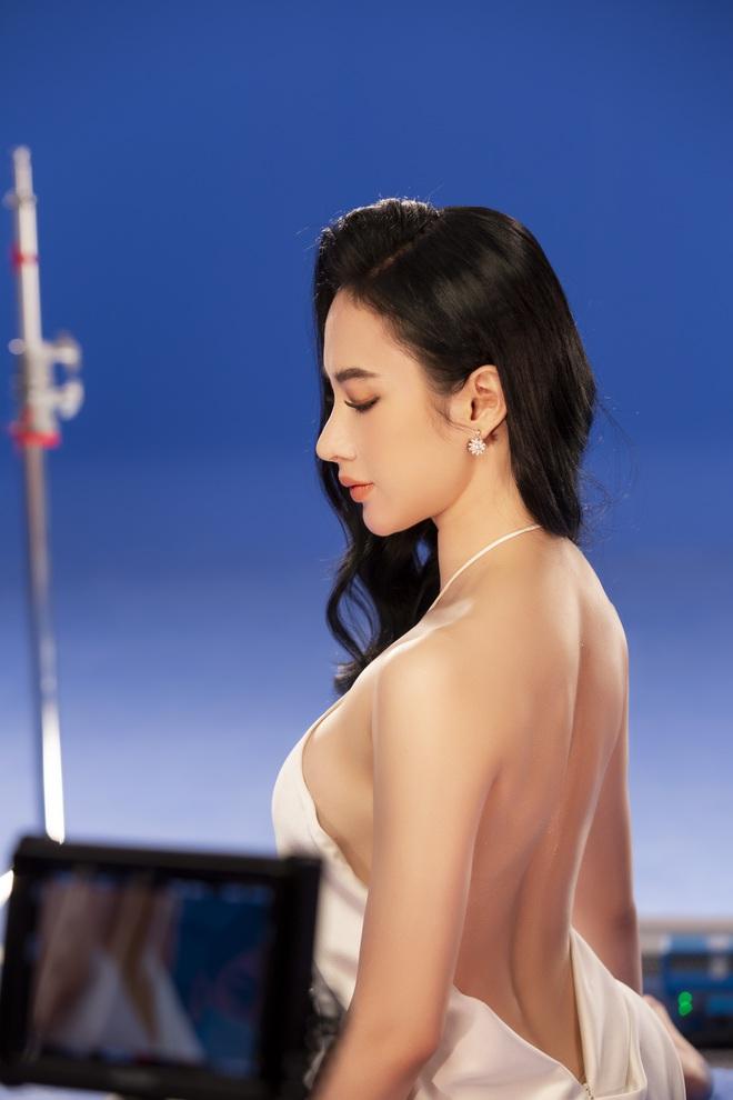 Sắc vóc của Angela Phương Trinh sau nhiều năm ở ẩn, ăn chay trường - Ảnh 2.