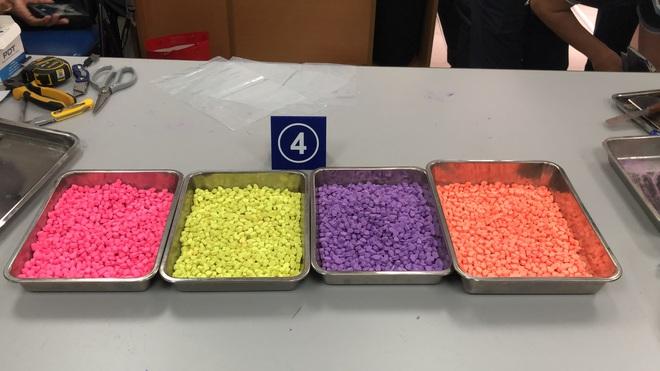 Hơn 31 kg ma túy trong các kiện hàng nhập khẩu gửi qua đường chuyển phát nhanh, bưu chính - Ảnh 2.