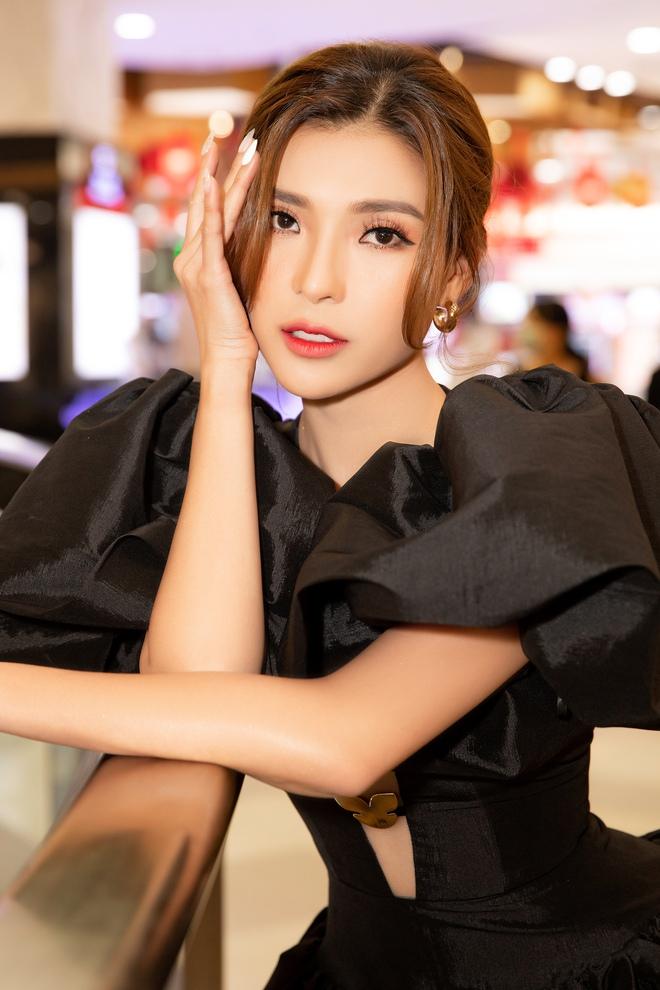 Thúy Diễm nổi bật tại sự kiện, khen phim mới của Bình Minh Imgl0547-copy-1610517098367509423215