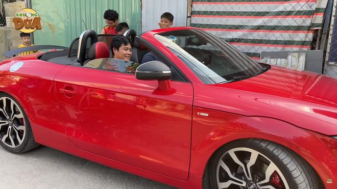 PGĐ Điền Quân Khương Dừa lái thử siêu xe gần 10 tỷ của danh hài Bảo Chung, gặp luôn sự cố - Ảnh 1.