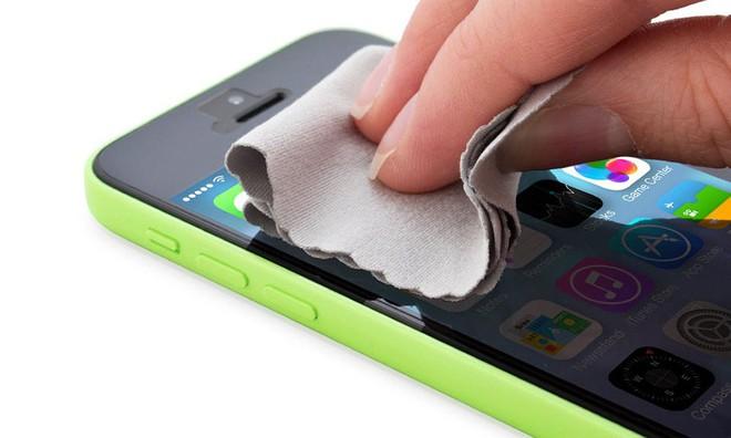 Hướng dẫn bạn cách vệ sinh iPhone sạch sẽ khỏi cần ra hàng - Ảnh 2.