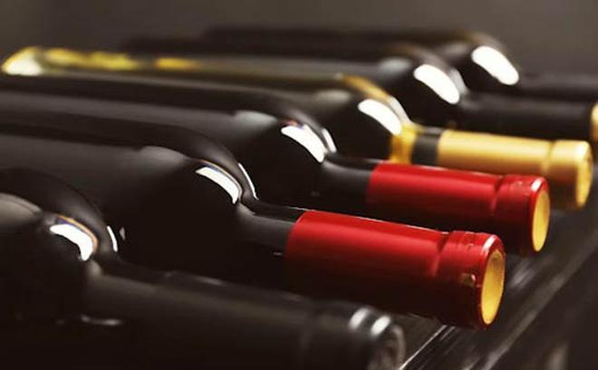 Công an phát hiện hơn 420 chai rượu ngoại không hóa đơn, chứng từ