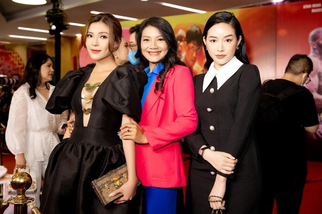 Thúy Diễm nổi bật tại sự kiện, khen phim mới của Bình Minh Thuy-diem-kieu-trinh-mai-thanh-ha-16105170986202126538705
