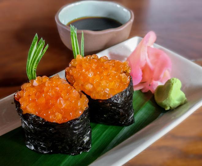 Mổ bụng cá hồi, bối rối phát hiện thứ màu cam nhớp nháp chưa từng ăn: Thực chất là bộ phận cực kỳ bổ dưỡng - Ảnh 3.