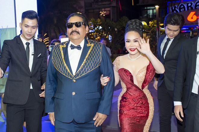 Việt Hương: Sau đám tang anh Chí Tài, chị Phương Loan liên tục gọi điện cho tôi - Ảnh 3.
