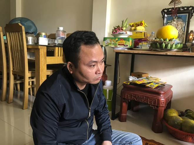 """Vụ bé trai 9 tháng tuổi tử vong khi gửi nhà """"bảo mẫu"""": Người mẹ nói phát hiện trán con có vết bầm tím - Ảnh 2."""