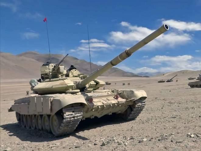 Xe tăng Nga-Trung Quốc đối đầu trên đỉnh Ladakh, cái kết ê chề cho Bắc Kinh - Ảnh 2.