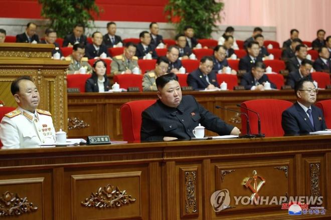 Điểm đặc biệt trong danh sách ủy viên BCT Triều Tiên: Sức mạnh của em gái ông Kim Jong Un vẫn đáng gờm - Ảnh 1.