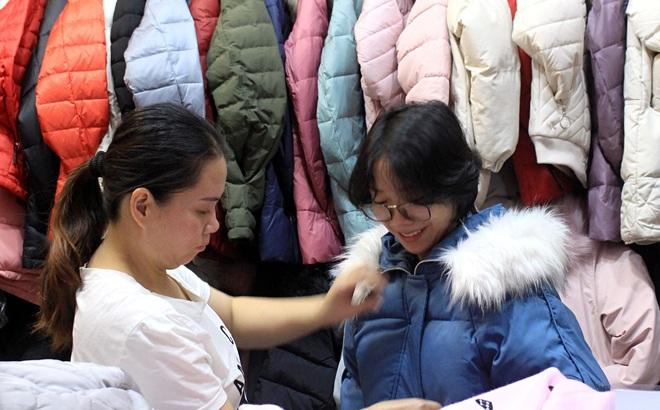 Chợ Nga ở Sài Gòn bán gì mà ế ẩm cả năm qua, nay tiểu thương mới bắt đầu vui trở lại?