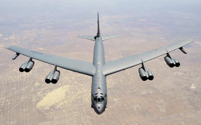 """""""Sức mạnh Mỹ bị thổi phồng"""": Các nhà khoa học Iran kêu gọi """"hạ đẹp"""" B-52 nếu vào biên giới"""