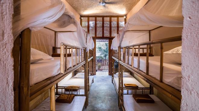 Ngôi nhà mái bằng trấu, vách vôi ở Đồng Nai nổi bật trên báo ngoại - Ảnh 8.