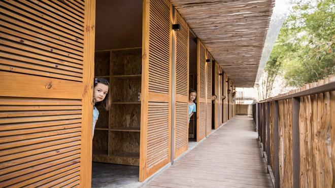 Ngôi nhà mái bằng trấu, vách vôi ở Đồng Nai nổi bật trên báo ngoại - Ảnh 5.
