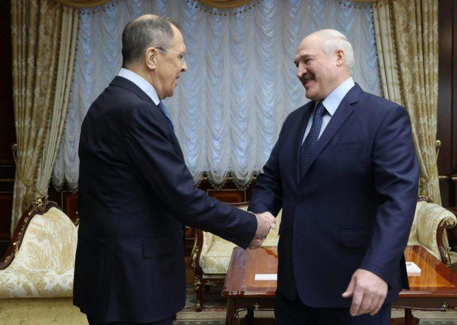 Phương Tây dự đoán những lựa chọn tồi tệ đối với ông Putin ở Belarus - Ảnh 2.