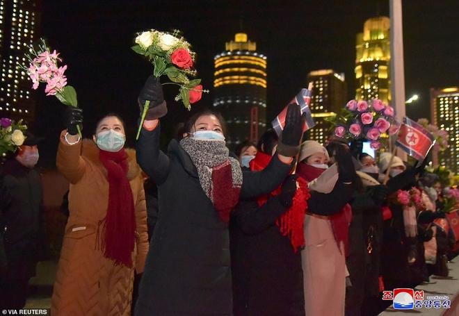 Ảnh: Triều Tiên bắn pháo hoa hoành tráng, đẹp mắt chào mừng Đại hội Đảng - Ảnh 4.