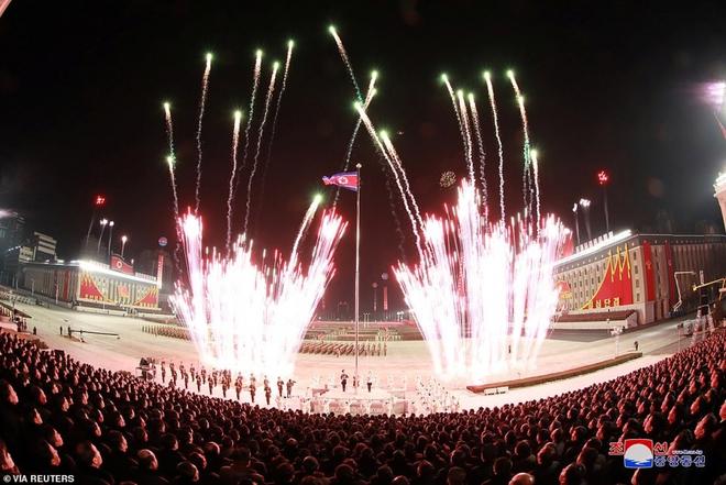 Ảnh: Triều Tiên bắn pháo hoa hoành tráng, đẹp mắt chào mừng Đại hội Đảng - Ảnh 6.
