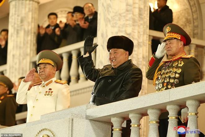 Ảnh: Triều Tiên bắn pháo hoa hoành tráng, đẹp mắt chào mừng Đại hội Đảng - Ảnh 8.